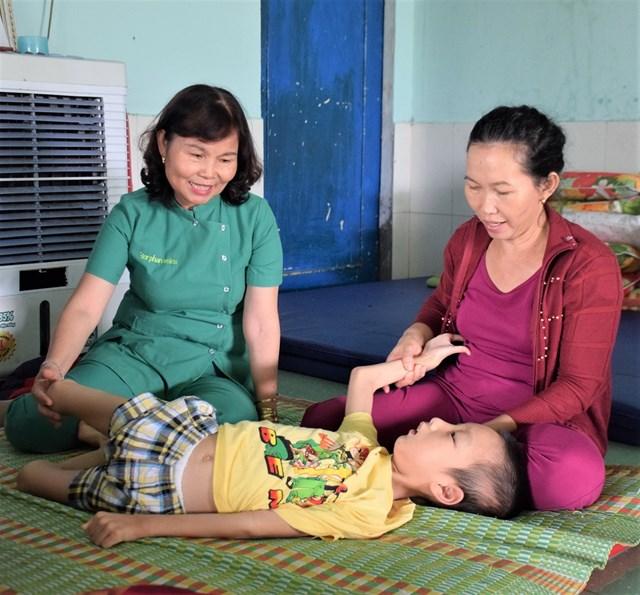 Quảng Nam: Những cô giáo 'thầm lặng' dạy trẻ em khuyết tật - 1