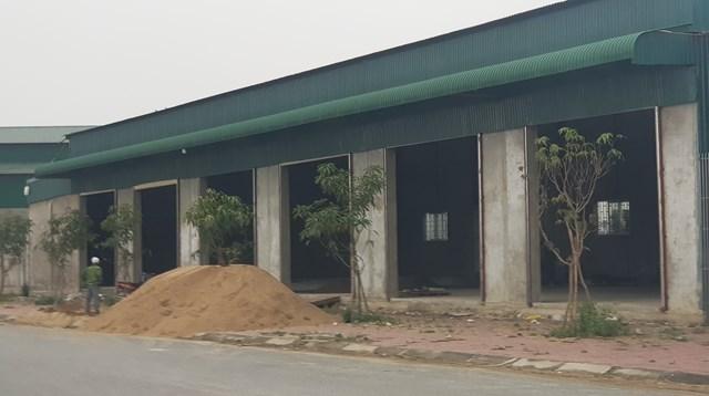 Hàng chục ki ốt xây dựng không phép giữa lòng thành phố Vinh