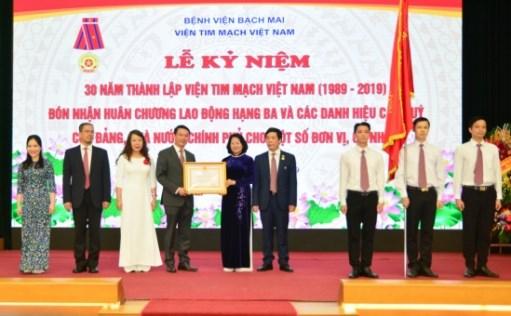 Viện Tim mạch kỷ niệm 30 năm thành lập và đón nhận Huân chương Lao động hạng Ba