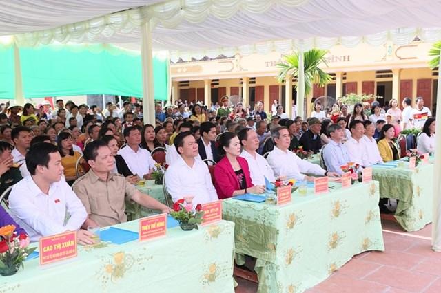 Trưởng ban Kinh tế Trung ương chung vui Ngày hội Đại đoàn kết toàn dân tộc tại thôn Đồng Minh