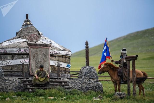 [ẢNH] Khám phá một Mông Cổ bí ẩn trong nhịp sống hiện đại - 15