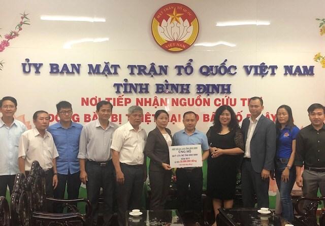 BẢN TIN MẶT TRẬN: Mặt trận Bình Định tiếp tục tiếp nhận ủng hộ đồng bào bị bão số 5