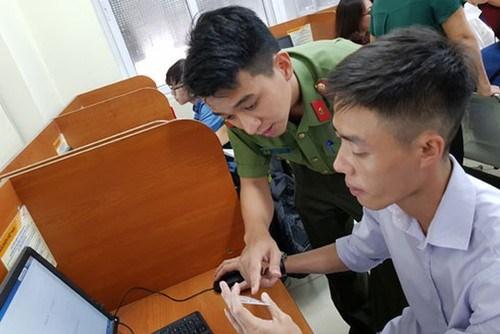 Bộ Công an hướng dẫn cấp thị thực, gia hạn tạm trú cho công dân nước ngoài