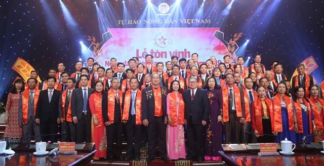 Vinh danh 63 nông dân Việt Nam xuất sắc năm 2019 - 5