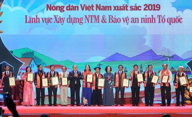 Vinh danh 63 nông dân Việt Nam xuất sắc năm 2019 - 3