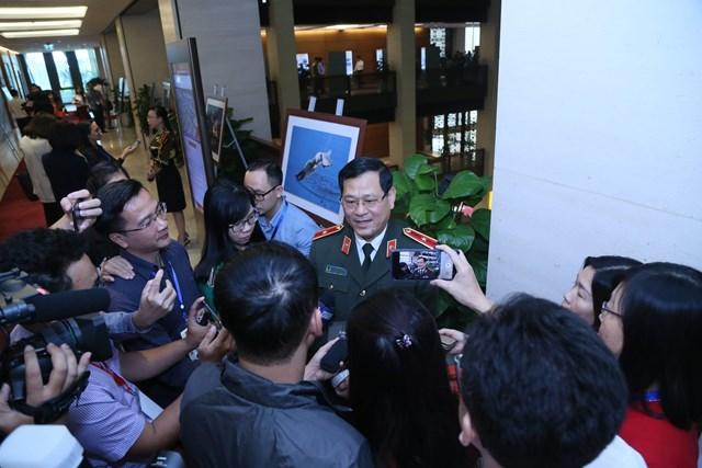 Thiếu tướng Nguyễn Hữu Cầu: Không để người dân bị lôi kéo vào di cư bất hợp pháp - 1