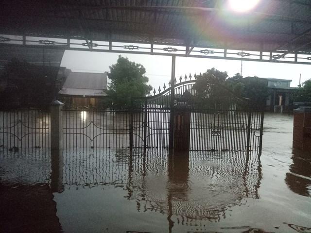 Đắk Lắk: Mưa lớn kéo dài nhiều địa phương bị chia cắt - 5