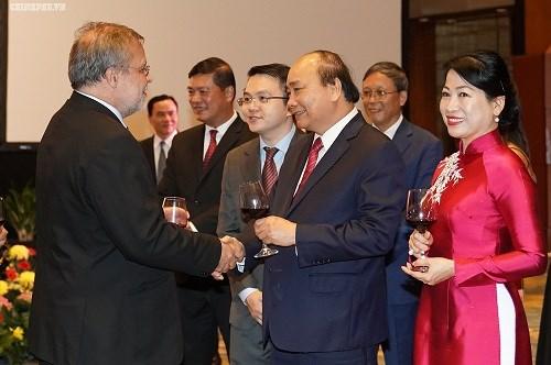 Thủ tướng: Người dân Việt Nam cháy bỏng khát vọng 'hòa bình và thịnh vượng' - 6