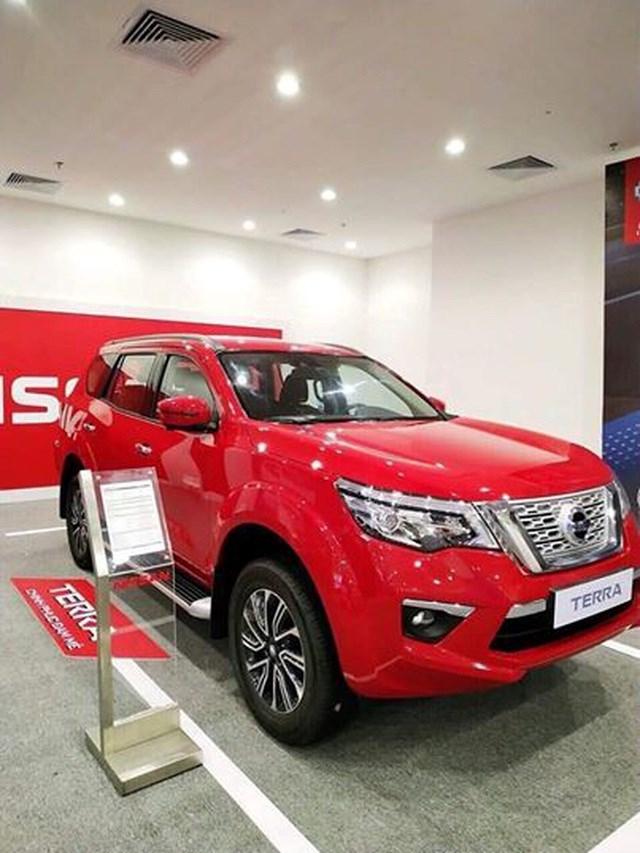 Ô tô tồn kho vượt ngoài dự báo, giá xe tiếp tục giảm sâu hút khách hàng - 2