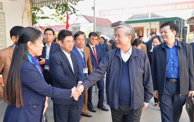 Thường trực Ban Bí thư Trần Quốc Vượng làm việc tại Nghệ An