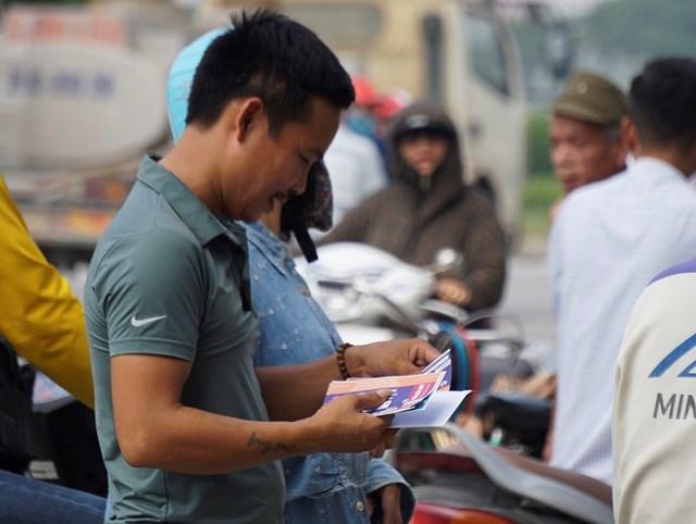 Vé 'chợ đen' trận Việt Nam - Malaysia vẫn bị thổi giá cao ngất - 3