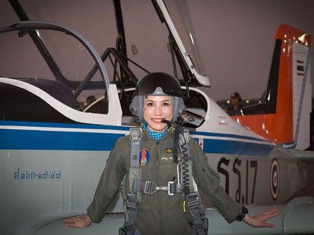 Thái Lan công bố loạt ảnh 'gây sốt' về Hoàng Quý phi - 7