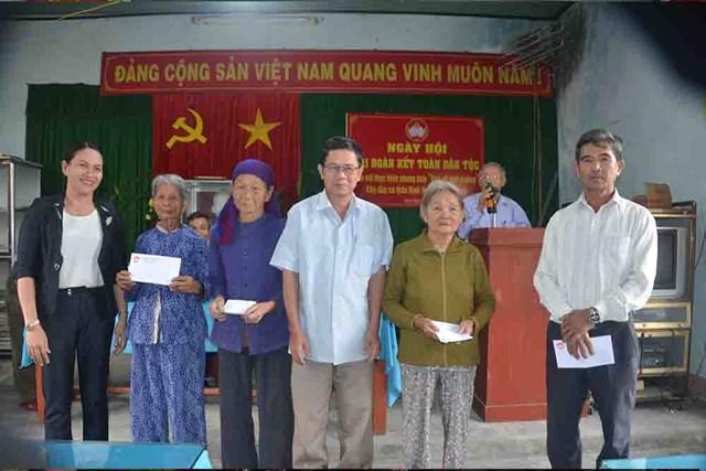 Quảng Ngãi: Sơn Tịnh Ấm áp Ngày hội Đại đoàn kết - 1