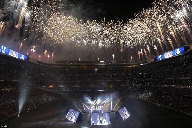 'Biển người' chào đón nhà vô địch Champions League Real Madrid - 1