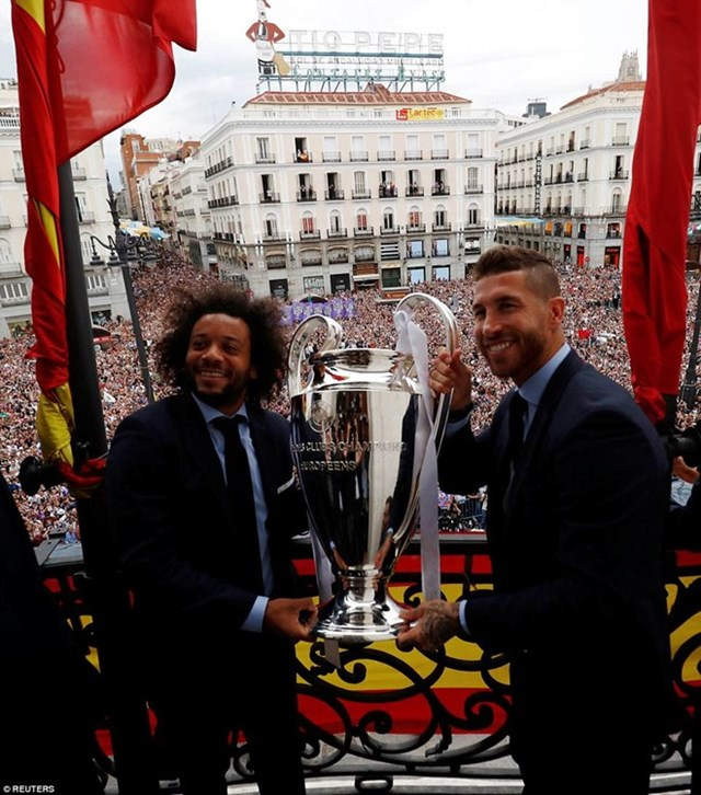 'Biển người' chào đón nhà vô địch Champions League Real Madrid - 13