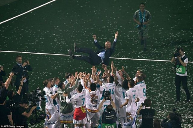 'Biển người' chào đón nhà vô địch Champions League Real Madrid - 2