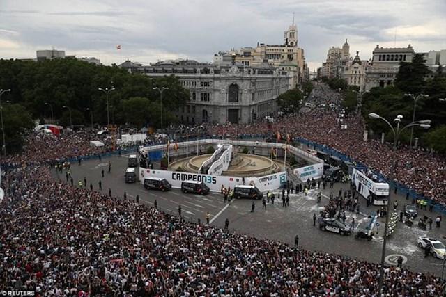 'Biển người' chào đón nhà vô địch Champions League Real Madrid - 3