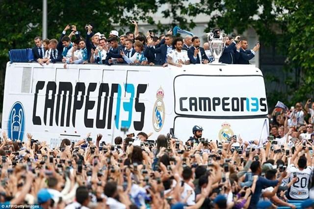 'Biển người' chào đón nhà vô địch Champions League Real Madrid - 5