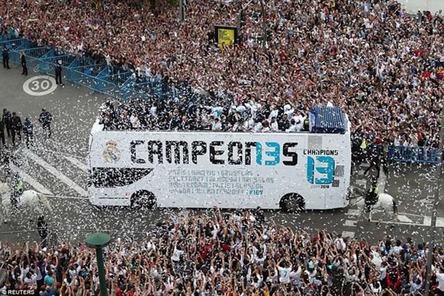 'Biển người' chào đón nhà vô địch Champions League Real Madrid - 7