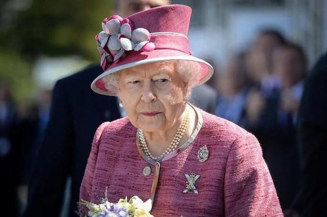 Nữ hoàng Elizabeth 'bật đèn xanh' cho Brexit, rút Anh khỏi EU
