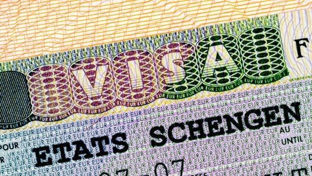 Pháp khẳng định không thay đổi quy trình cấp visa Schengen cho công dân Việt Nam
