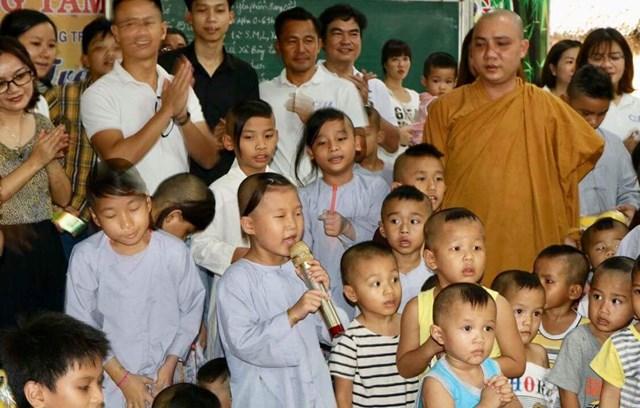 Mái ấm cho hàng trăm trẻ em cơ nhỡ