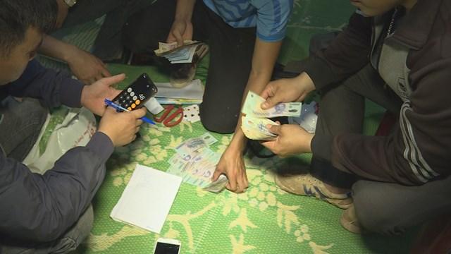 Đắk Lắk: Đột kích sới bạc ở huyện biên giới, bắt giữ 19 đối tượng - 1