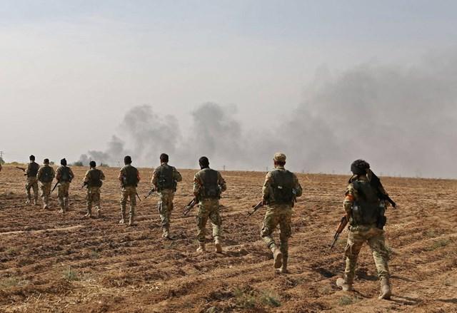 Syria: Mỹ bỏ rơi đồng minh, chiến sự bùng phát căng thẳng