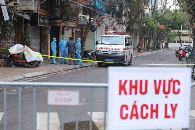Hà Nội: Lên máy bay 'bắt' người trốn cách ly định sang Anh