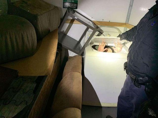 11 người trốn trong máy giặt, tủ quần áo để nhập cư vào Mỹ