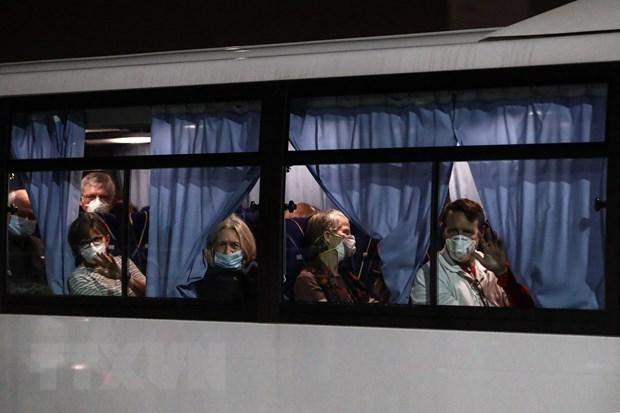 Mỹ đưa công dân mắc kẹt ở du thuyền Diamond Princess về nước