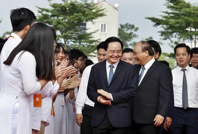 [ẢNH] Thủ tướng dự Lễ khai giảng năm học mới tại trường THPT Sơn Tây - 1