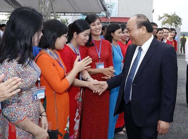 [ẢNH] Thủ tướng dự Lễ khai giảng năm học mới tại trường THPT Sơn Tây - 2