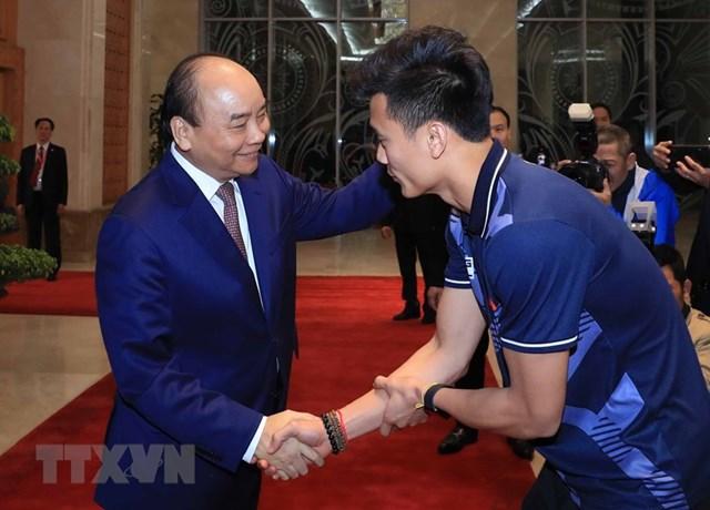Thủ tướng gặp mặt Đội tuyển bóng đá nam và nữ giành HCV SEA Games 30 - 5