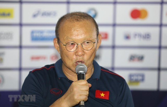 Phóng viên Trung Quốc xin lời khuyên của HLV Park Hang-seo