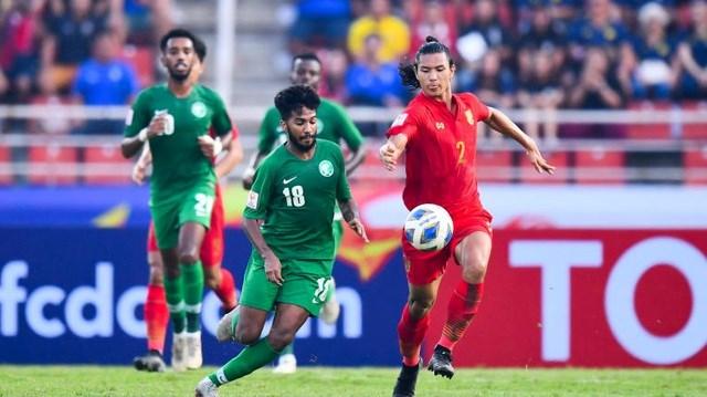 HLV Nishino cố giấu nỗi buồn sau thất bại của U23 Thái Lan trước Saudi Arabia - 1