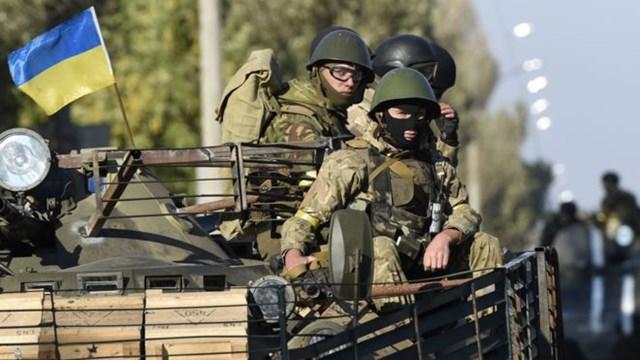 Ukraine thông qua ngân sách quốc phòng cao kỷ lục