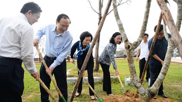 Vinamilk chung tay bảo vệ môi trường tại Bình Định thông qua Quỹ 1 triệu cây xanh cho Việt Nam