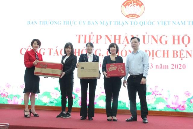 MTTQ Hà Nội tiếp nhận ủng hộ phòng, chống dịch Covid-19 - 1