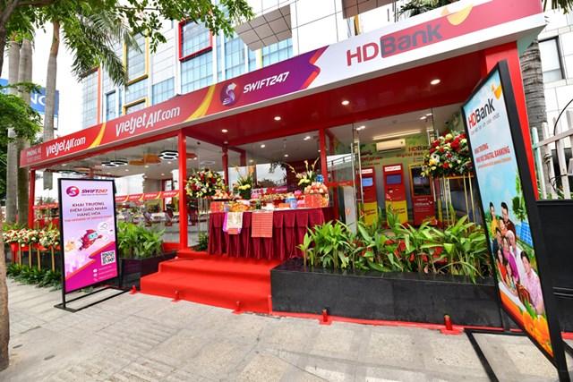 Vietjet khai trương phòng vé mới cùng tổ hợp dịch vụ toàn diện cho khách hàng - 3