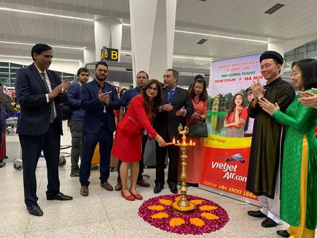 Vietjet tiên phong khai trương hai đường bay thẳng từ Việt Nam tới New Delhi (Ấn Độ) - 4