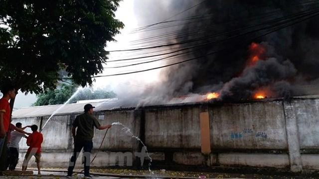 Hà Nội: Đang cháy cực lớn ở chợ Quang, Thanh Liệt - 10