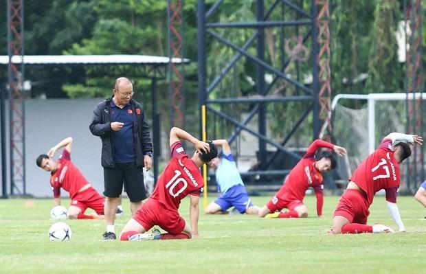 HLV Park Hang-seo nhận hai nhiệm vụ khó với rào cản dịch Covid-19 - 1