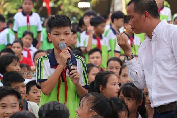 Đoàn Văn Hậu và dàn sao Hà Nội FC so tài cùng các học sinh - 1