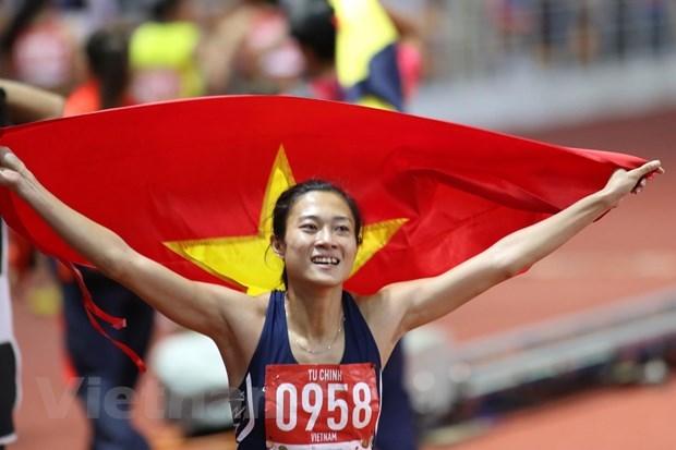 Đánh bại VĐV nhập tịch của chủ nhà, Lê Tú Chinh giành HCV 100m
