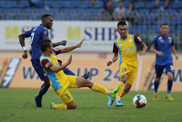 Vòng 22 V-League: Vùng vẫy bất thành