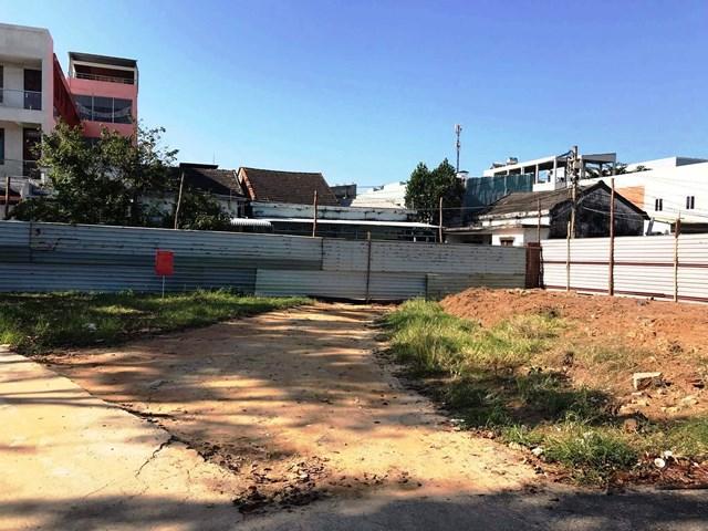 'Trạm y tế xây giữa đường': Không còn vị trí nào khác!?