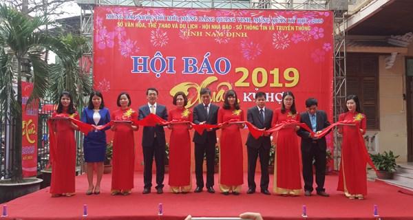 Tưng bừng hội báo Xuân tỉnh Nam Định