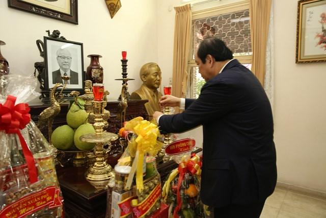 Bộ trưởng, Chủ nhiệm VPCP chúc Tết nguyên lãnh đạo Đảng, Nhà nước - 4