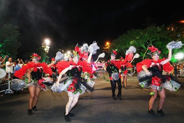 Carnival đường phố DIFF 2019: Đà Nẵng 'vui không khoảng cách' tối 16/6 - 3
